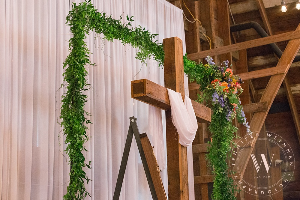 arch-jennifer-weinman-photography-debbies-celebration-barn