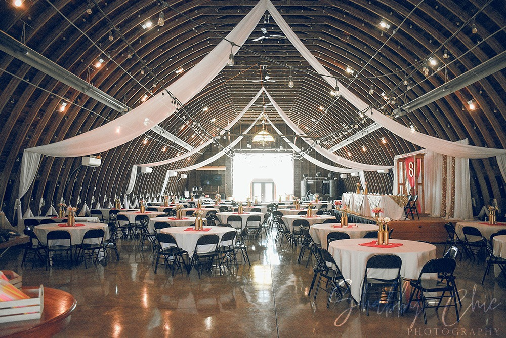 barn-decorations-interior-debbies-celebration-barn