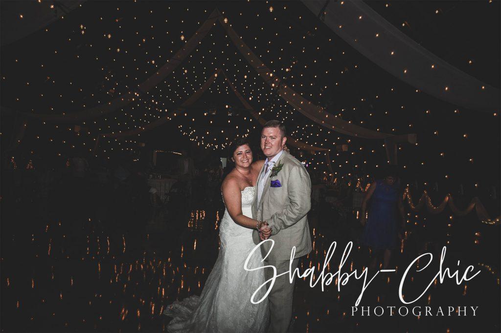 bride-groom-shabby-chic-photography-debbies-celebration-barn