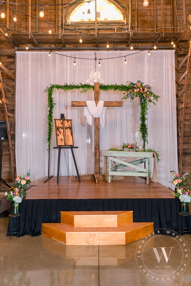 ceremony-jennifer-weinman-photography-debbies-celebration-barn