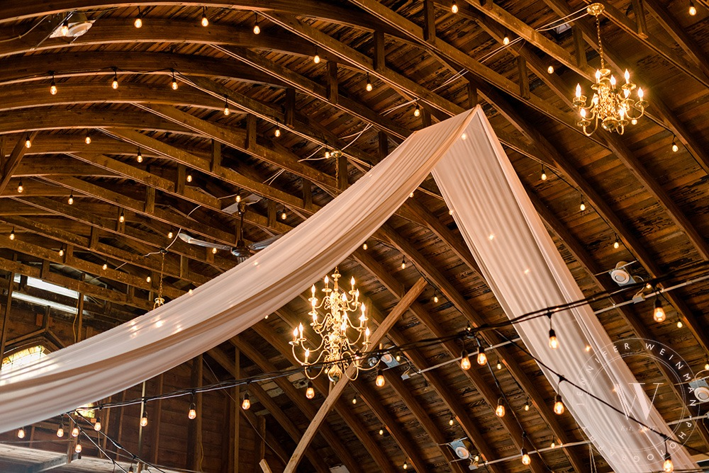 chandeliers-jennifer-weinman-photography-debbies-celebration-barn