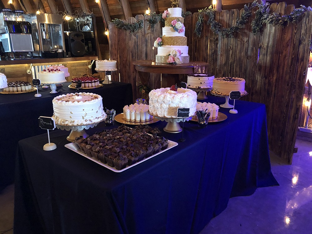 dessert-table-debbies-celebration-barn