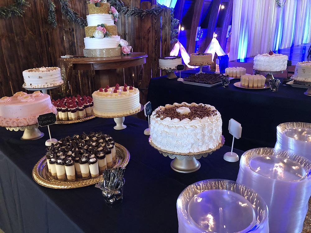 dessert-tables-c-wedding-debbies-celebration-barn