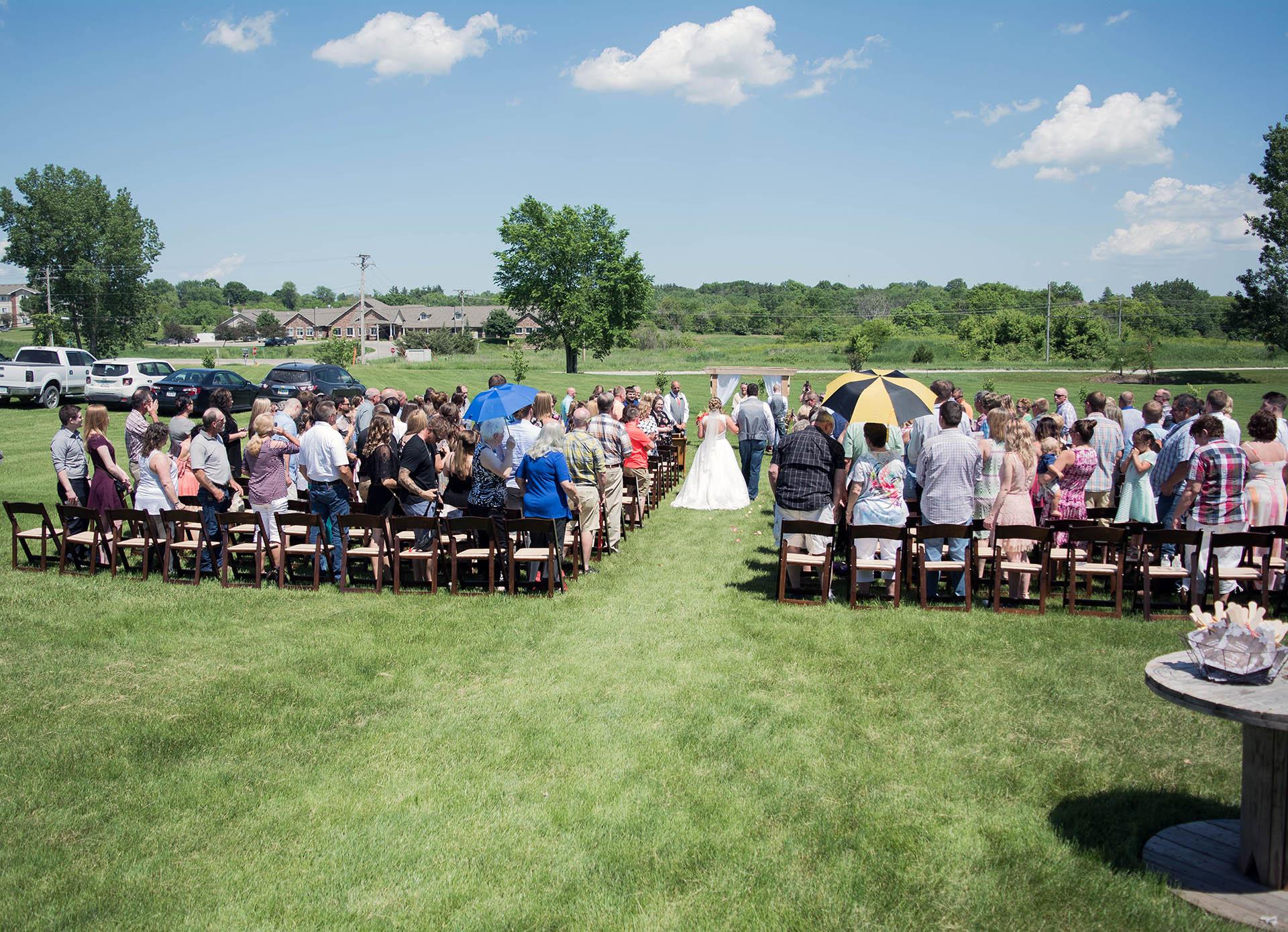 Outdoor Wedding Ceremony   Debbie's Celebration Barn