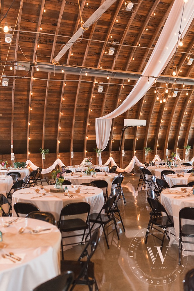 reception-tables-jennifer-weinman-photography-debbies-celebration-barn