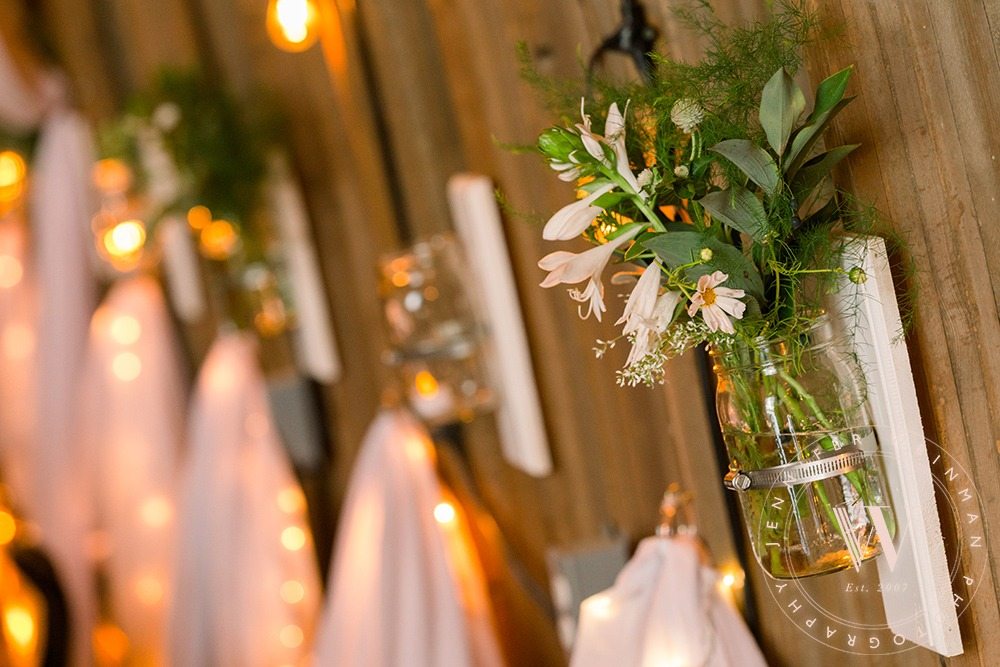 side-mason-jars-jennifer-weinman-photography-debbies-celebration-barn