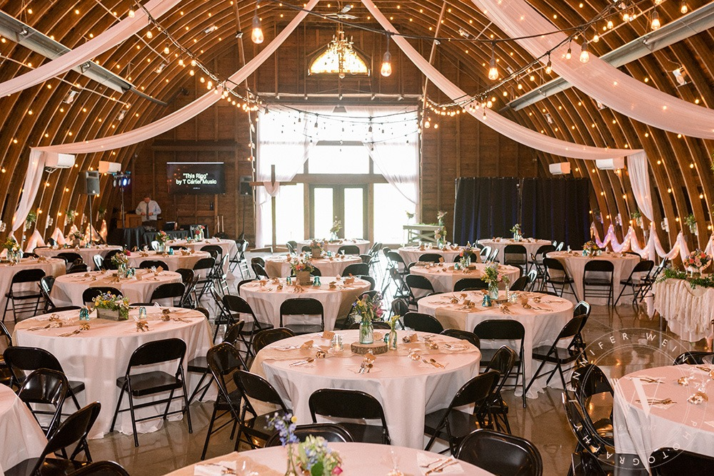 tables-reception-jennifer-weinman-photography-debbies-celebration-barn