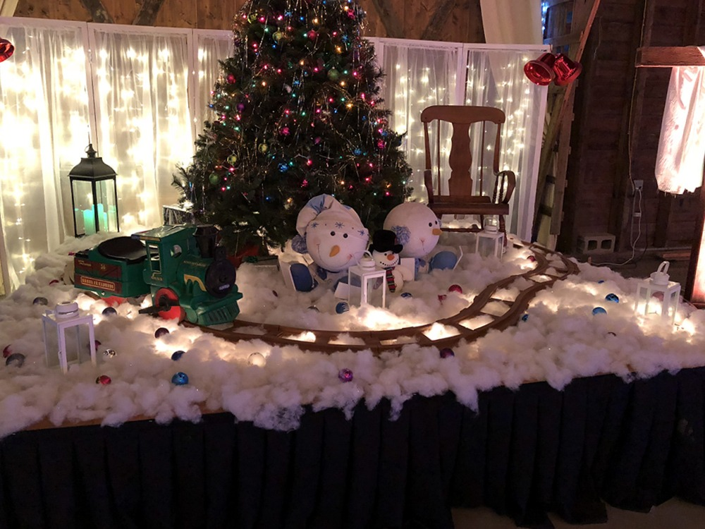 train-christmas-tree-debbies-celebration-barn